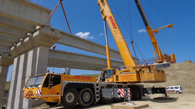 Take Advantage of Quality Crane for Hire Services in Liverpool