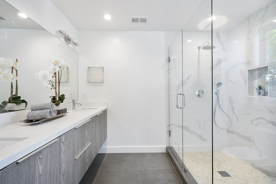 Reasons to Upgrade to a Frameless Glass Shower