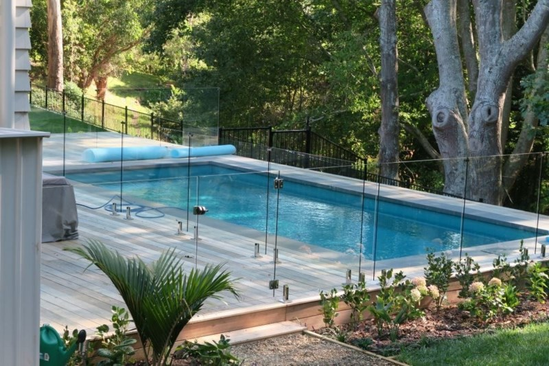 The Main Reasons You Should Install A Swimming Pool Fence