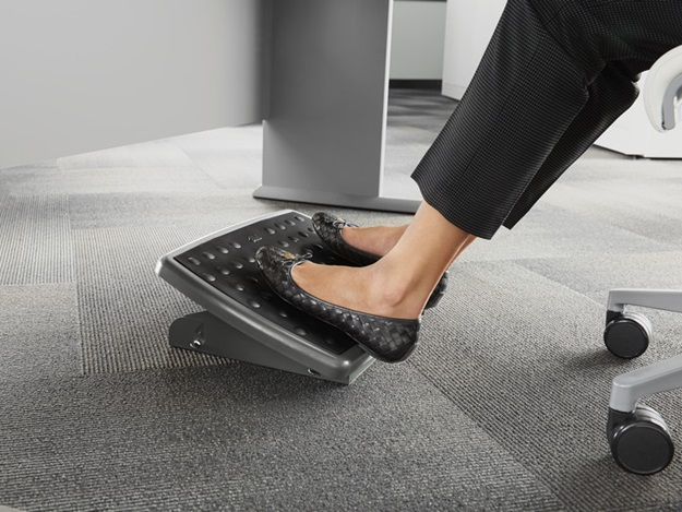 Importance of Foot rest under the desk foot stool